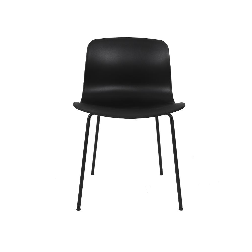 يوتريد  كرسي لون أسود NEAT HOME بلونه الأسود الأنيق جدا