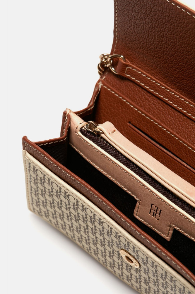 حقيبة انيقه وفخمه للمناسبات من كارولينا هيريرا