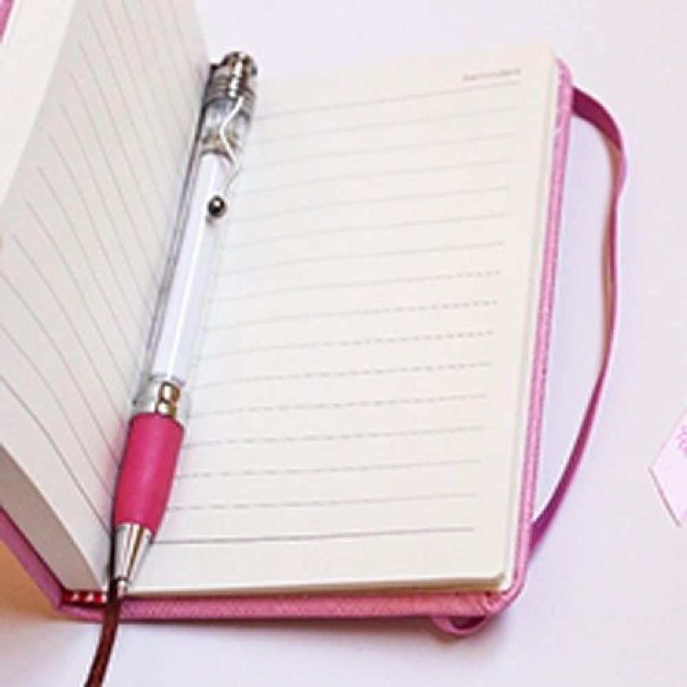 نوتة وردية صغيرة مسطرة الصفحات