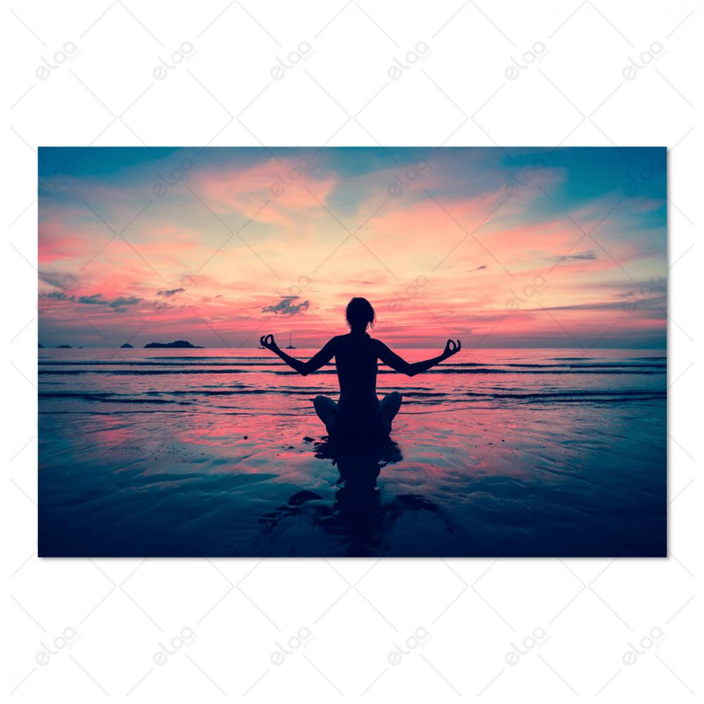 لوحة منظر طبيعي لرياضة اليوغا على غروب الشمس
