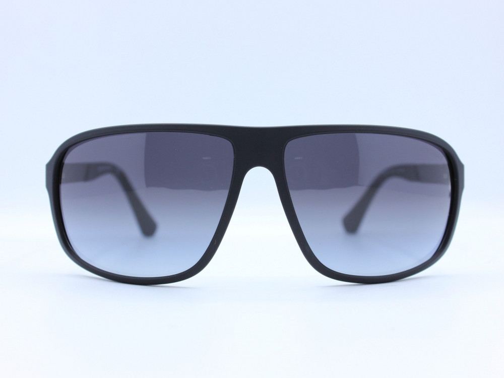 نظاره شمسية مربعة من ماركة  EMPORIO- ARMANI  لون العدسة اسود مدرج