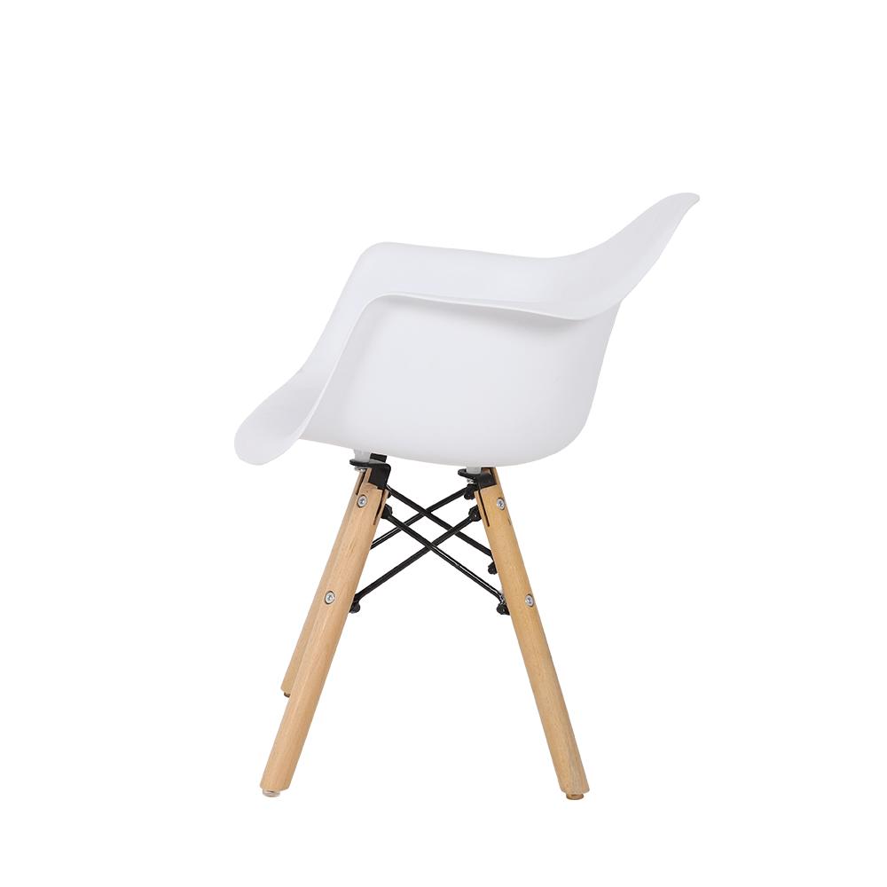 رؤية جانبية للكرسي المميز من طقم كراسي أطفال نيت هوم من متجر يوتريد