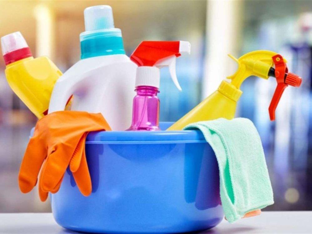 البلاستيك والمنظفات والكماليات