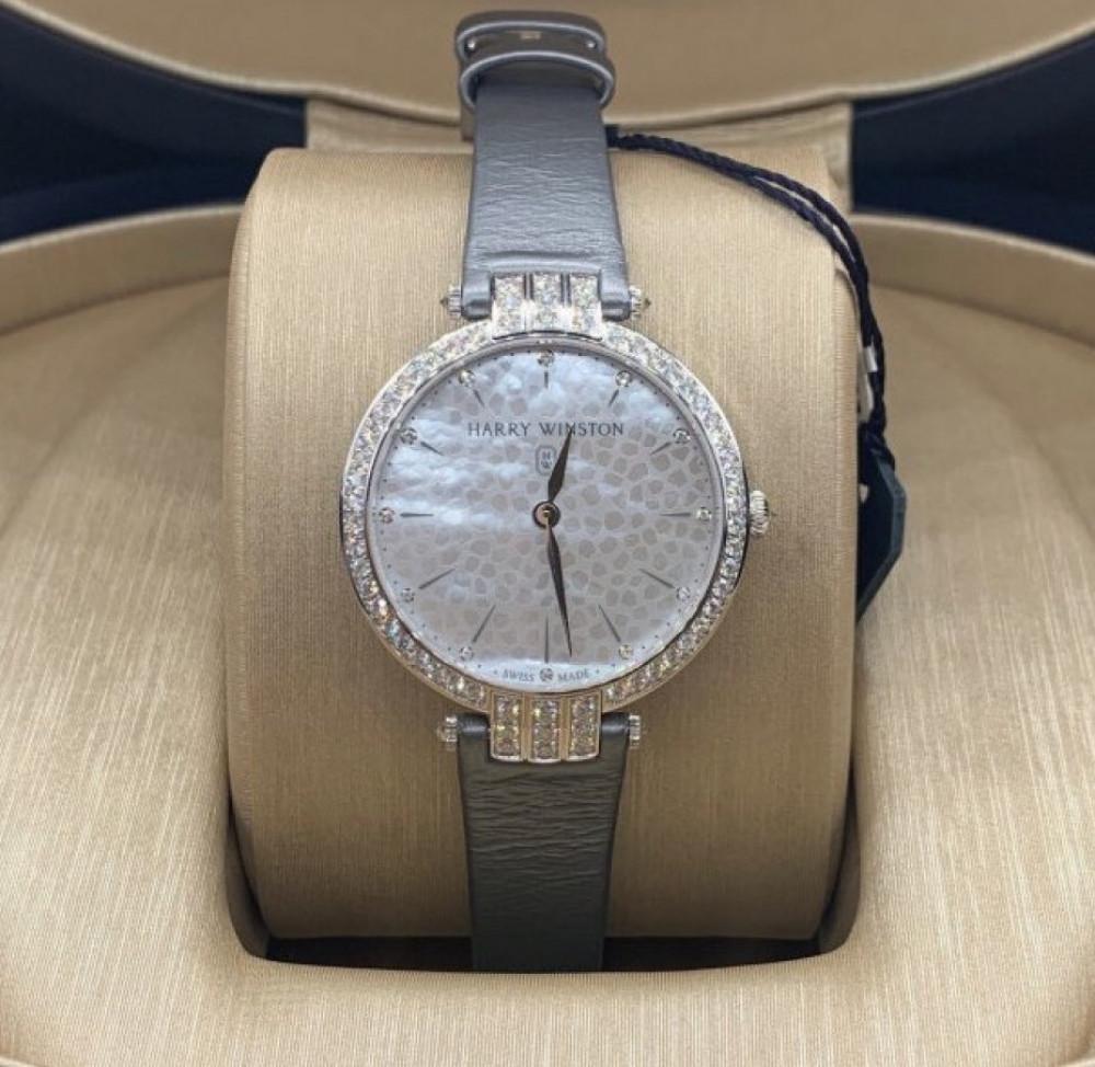 ساعة هاري وينستون الأصلية مينا صدف