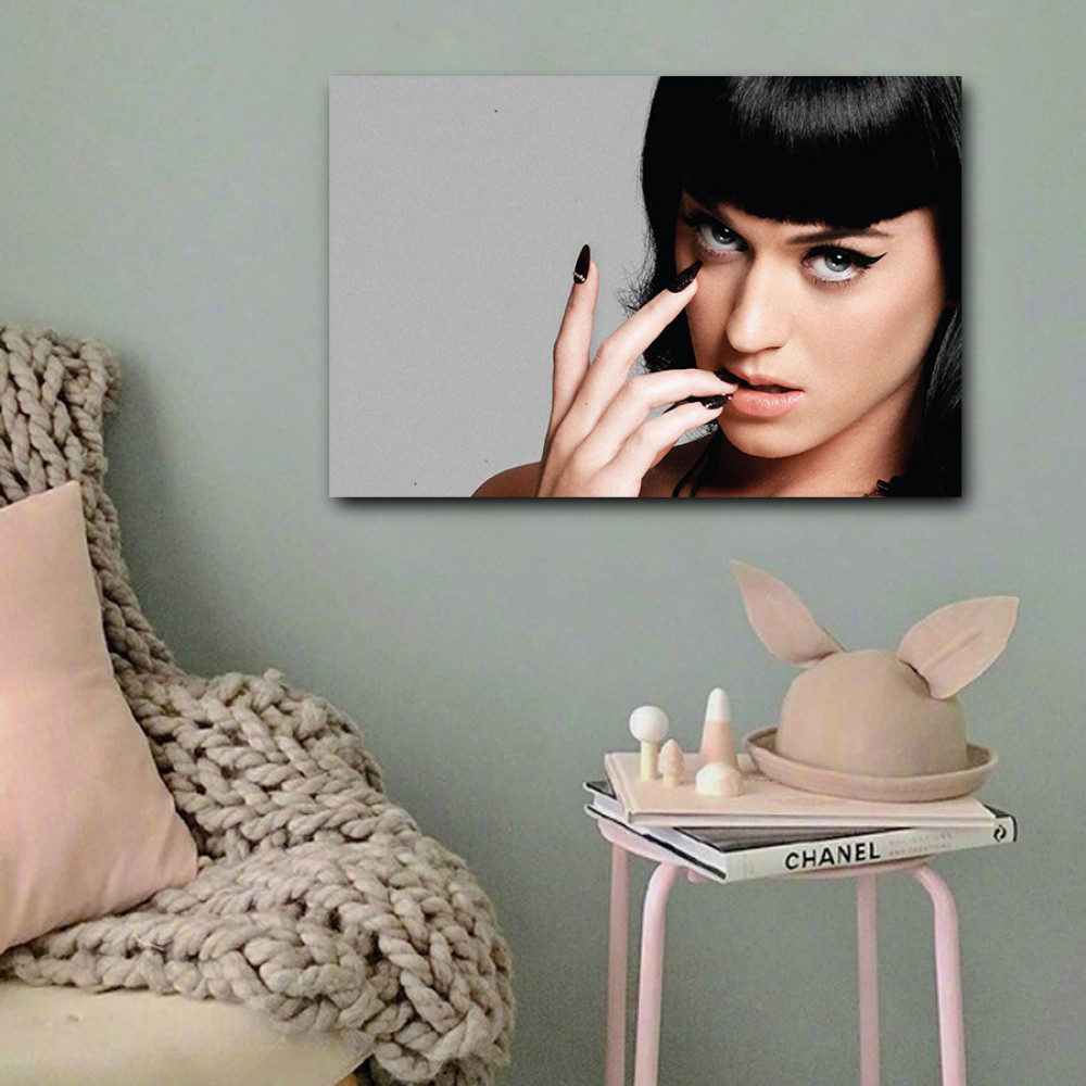 لوحة كيتي بيري خشب ام دي اف مقاس 40x60 سنتيمتر