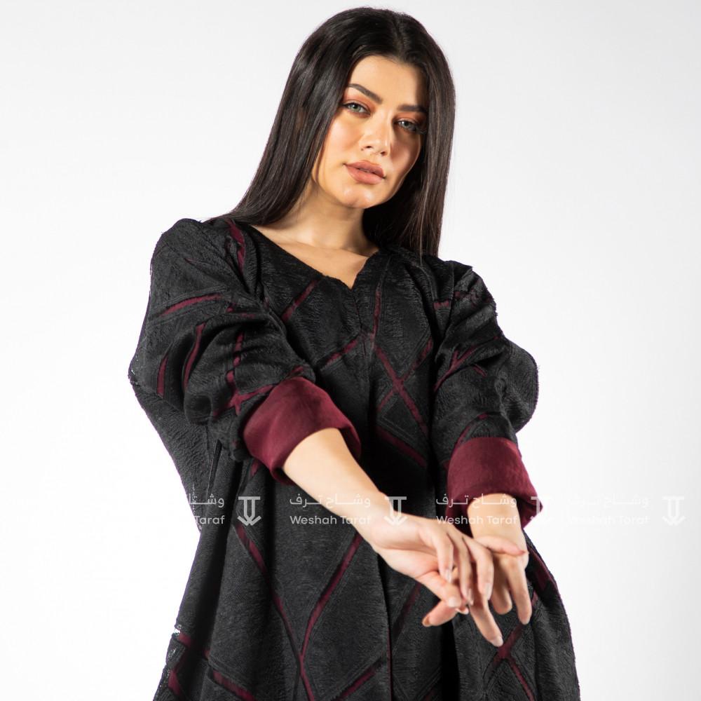 عباية قماش أورجانزا مع قماش حرير مغسول بالداخل لون عنابي لبس على جهتين